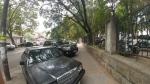 Parcati direct pe trotuar